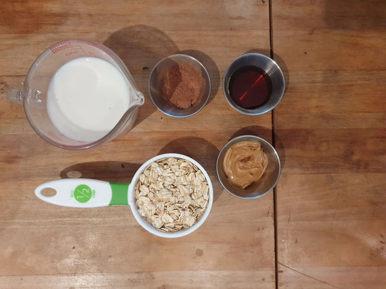 Vegan Peanutbutter Chocolate Reese's Overnight Oats Ingredients