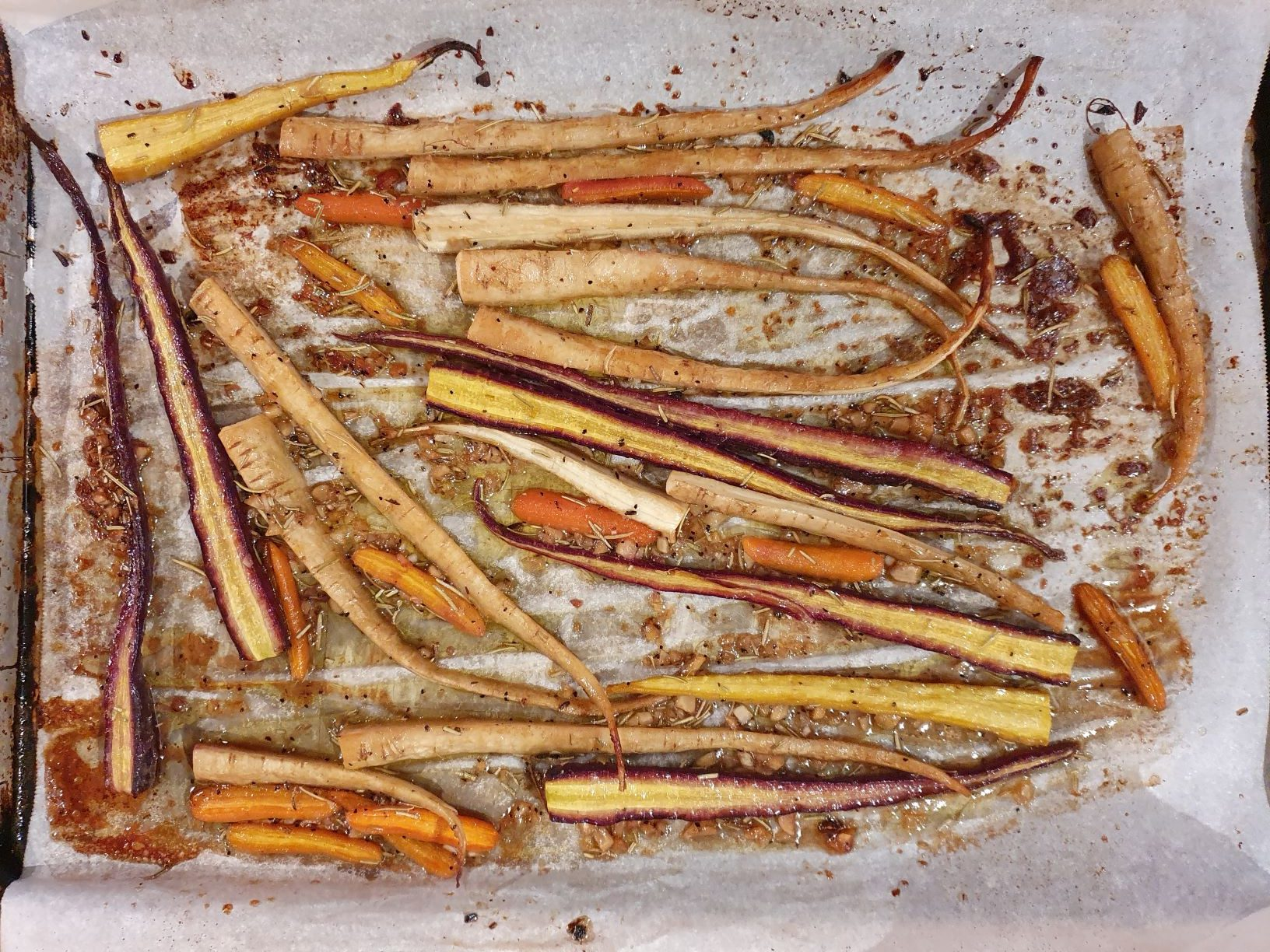 Honey Roasted Carrots a vegetarian side perfect for the holidays.